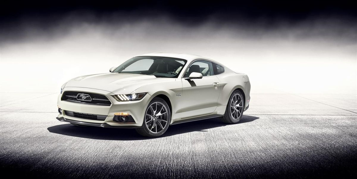 Ford Mustang 50 Year Limited Edition wit Performance Pack 2014 03