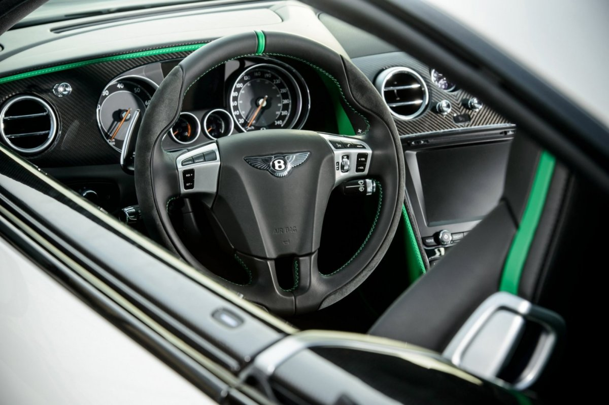 Bentley Continental GT3-R wit groen 2015 10