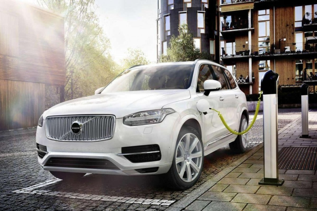 Volvo XC 90 First Edition D5 T6 AWD 1927 2015 brons zwart wit bruin 02