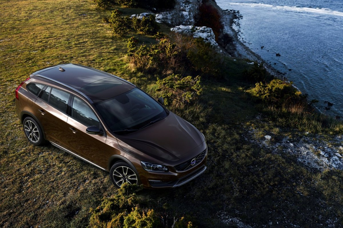 Volvo V60 Cross Country bruin wit AWD Drive-E 2015 05