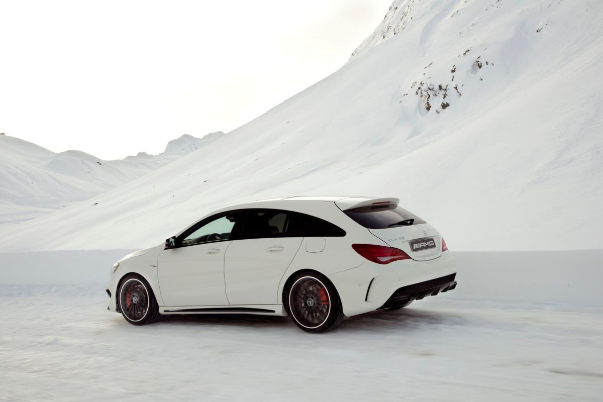 Mercedes CLA45 AMG 4-Matic Shooting Brake X117 wit 2015 06