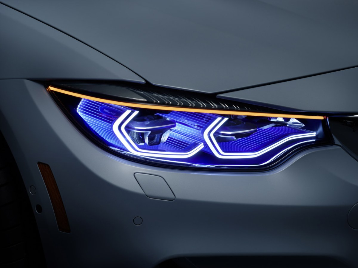 BMW-M4-Concept-Iconic-Lights-OLED-Laser-CES-2015-01