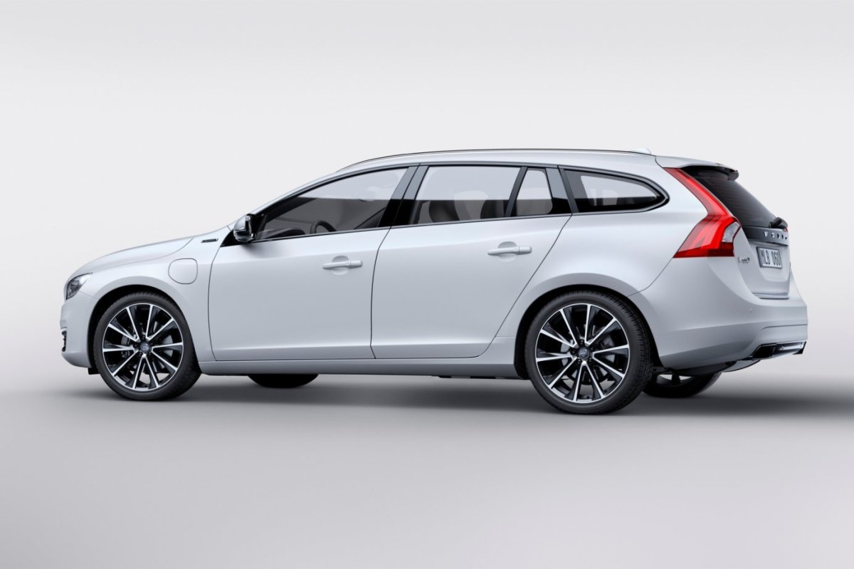 Volvo V60 D5 Twin Engine wit geneve special edition 2015 04