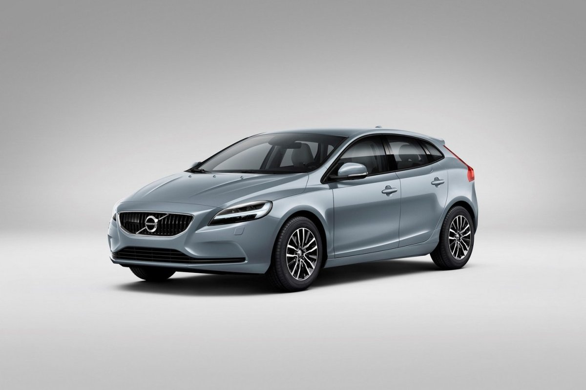 Volvo V40 Cross Country facelift Thor 2017 01