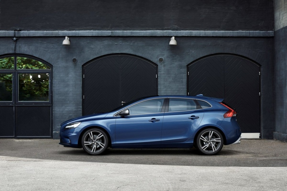 Volvo V40 Cross Country facelift Thor 2017 27