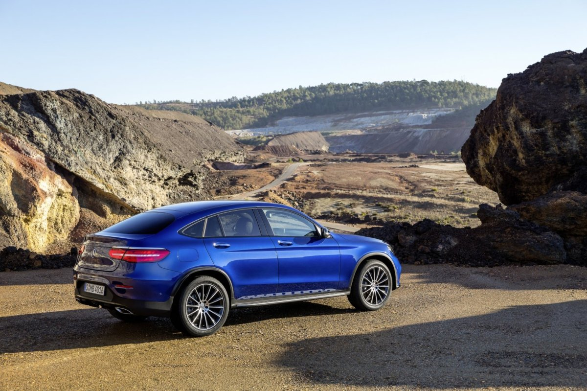 Mercedes GLC Coupe SUV 4-Matic blauw 2017 19
