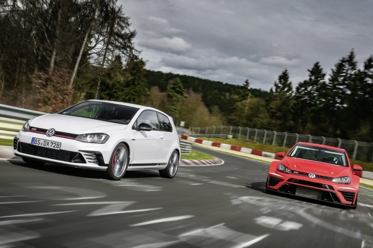 Volkswagen Golf GTI Clubsport S Nuerburgring record 2016 2017 21