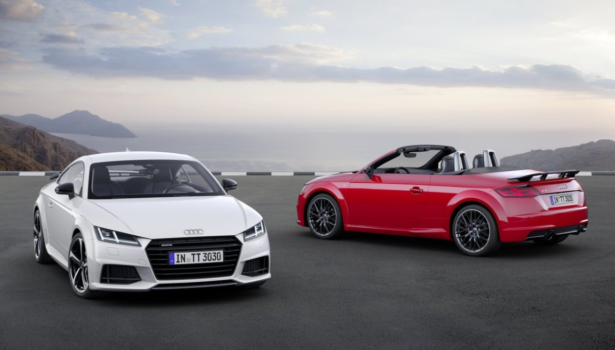 audi-tt-s-line-competition-wit-rood-2017-coupe-roadster-05