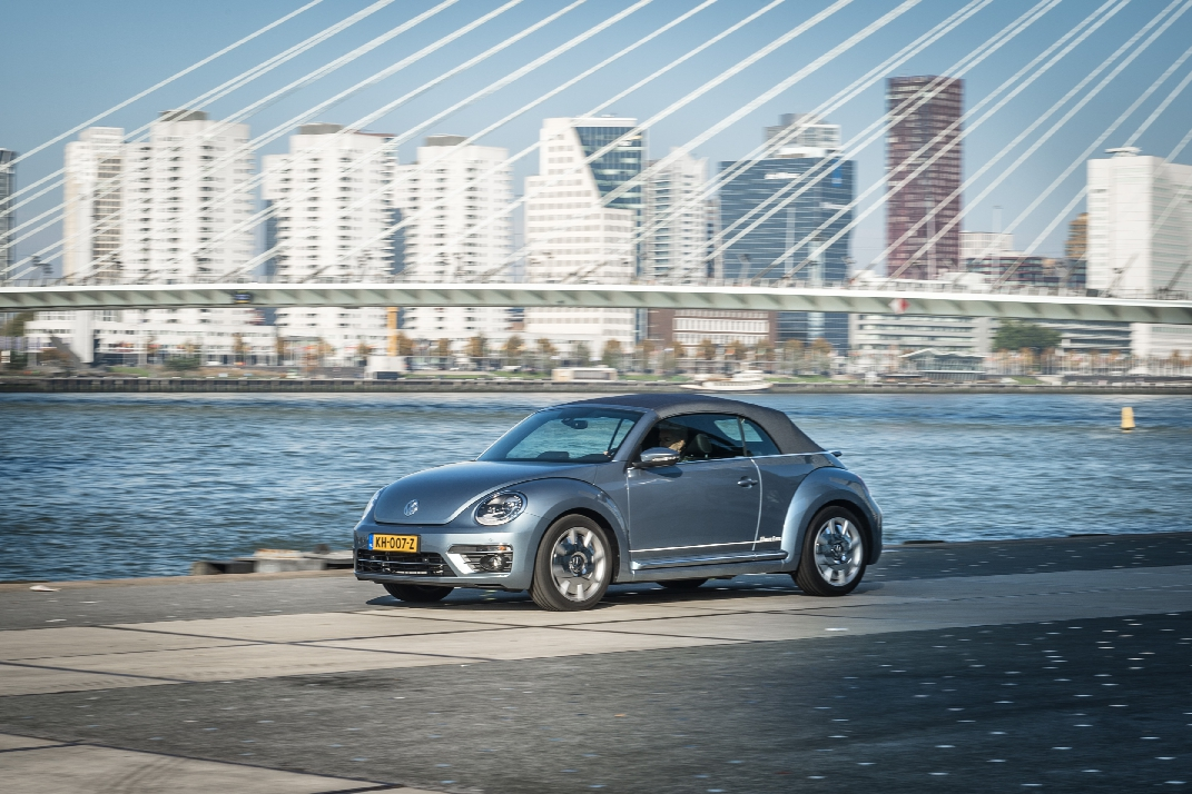 volkswagen-beetle-denim-cabriolet-exclusive-series-11