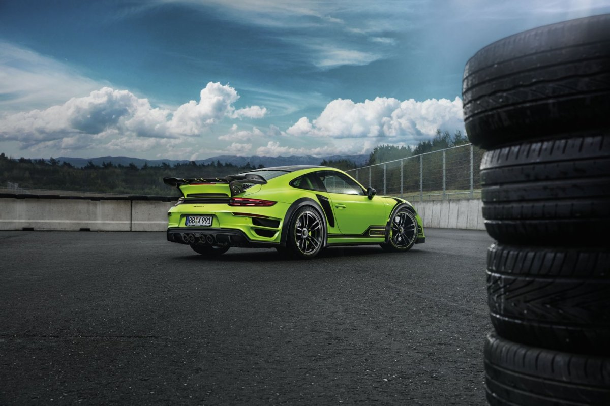 techart-gtstreet-r-porsche-turbo-s-991-2-viper-green-2017-01