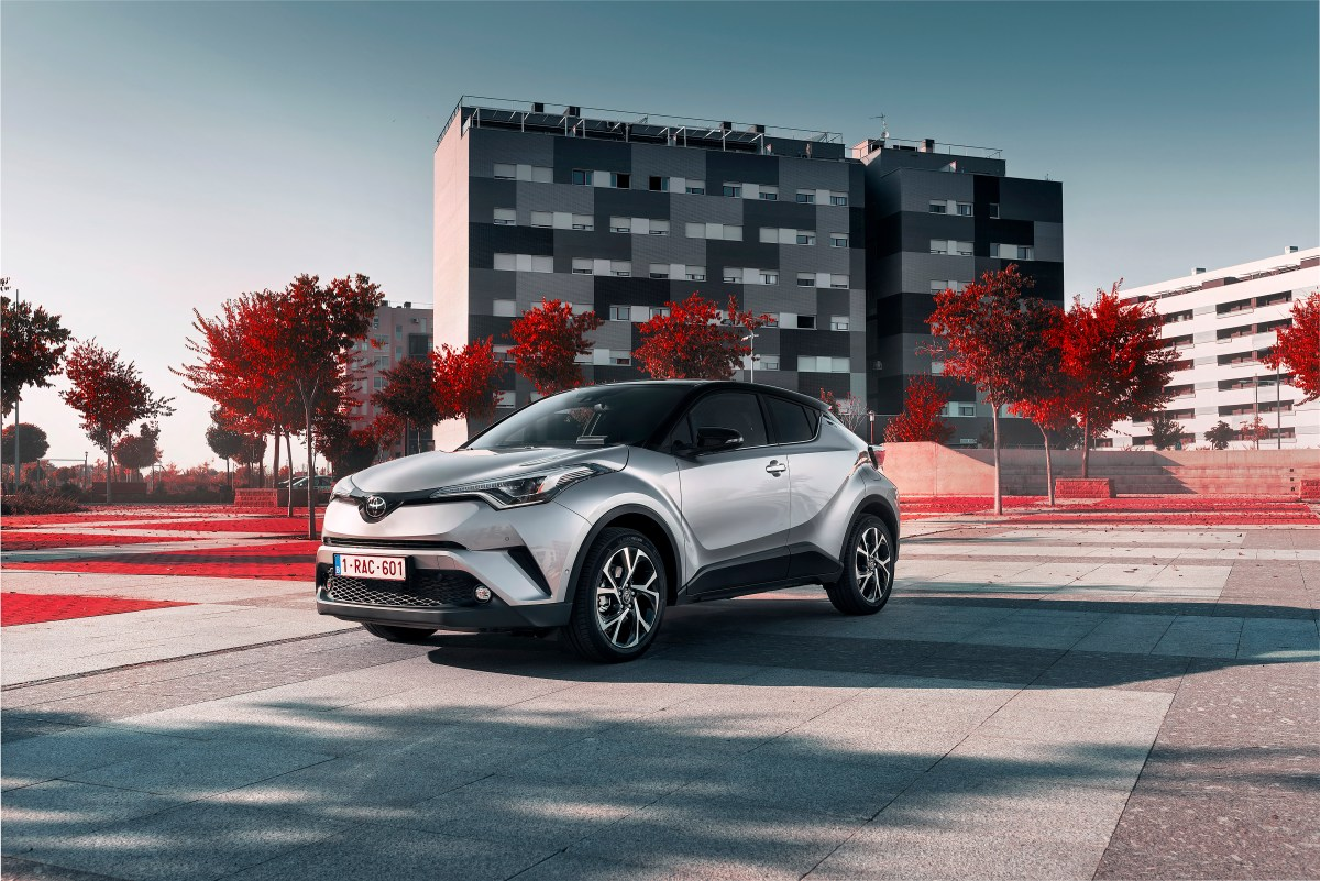 toyota-c-hr-1-2-turbo-awd-grijs-2017-03