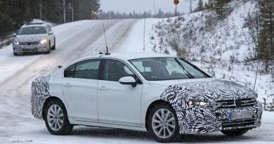 Yeni Volkswagen Passat casus görüntüleri! Cenevre fuarı öncesi