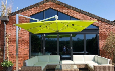 What is a Cantilever Parasol?