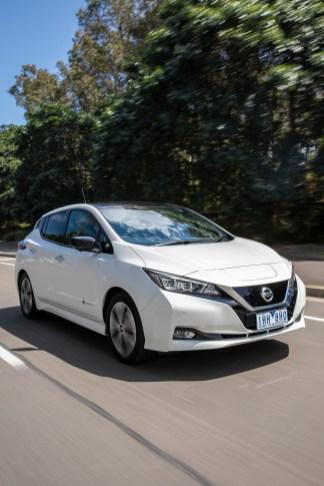 2018 Nissan LEAF 231
