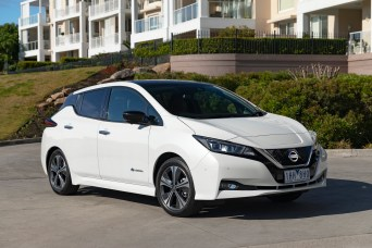 2018 Nissan LEAF 253