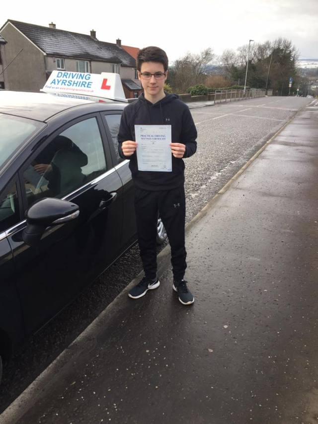 Dalry driving lessons - Lee Miller first time pass