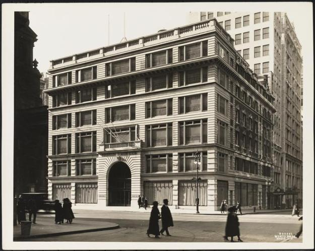 Franklin Simon Department Store - Wurts Bros. Photo Museum of the City of New York