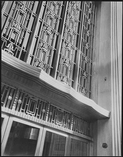 Two story entrance to Bonwit Teller.