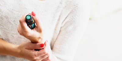 Top 11 Essential Oils to Support Endometriosis