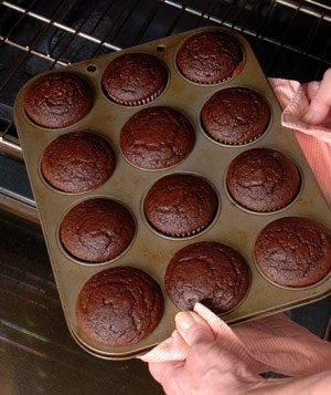 baking-cupcakes_real-simple