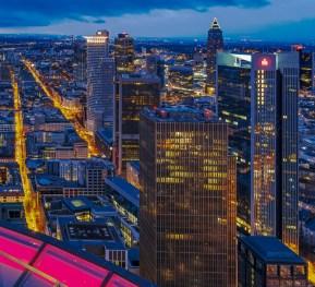 Skyline vom Main Tower aus gesehen