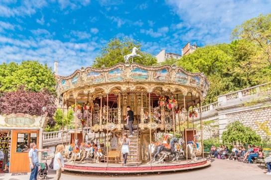 Carousel im Park Square Louise-Michel