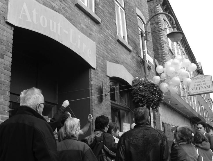 Fête de quartier sur la rue Saint-Vallier devant Atout-Lire.