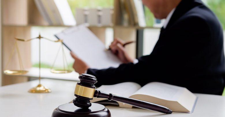 التعليق على حكم قضائي