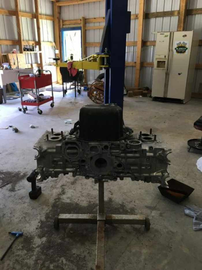 This Guy Turned His Smashed Car's Engine Into An Epic Coffee Table -06
