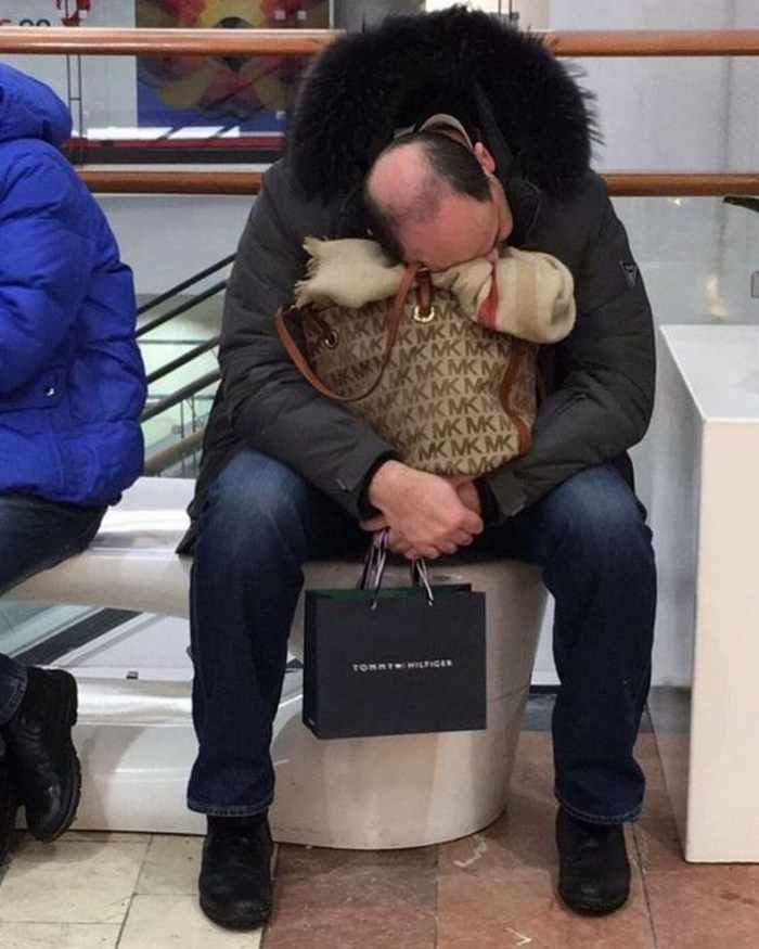 35 Funny Husbands Shopping With Their Wives Will Make You LOL -03