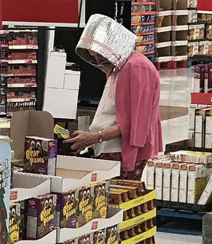 The 24 Weird People of Walmart That Are on Another Level -23