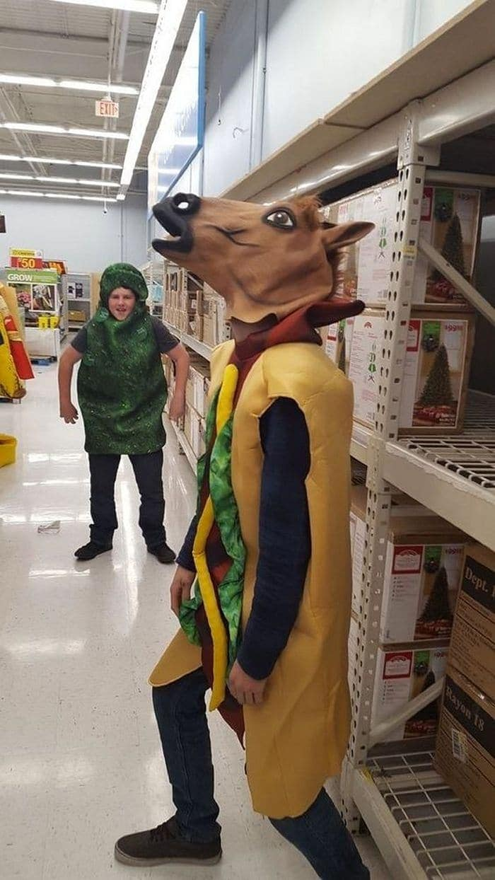 25 Ridiculous People of Walmart You Hope to Never Run Into -18