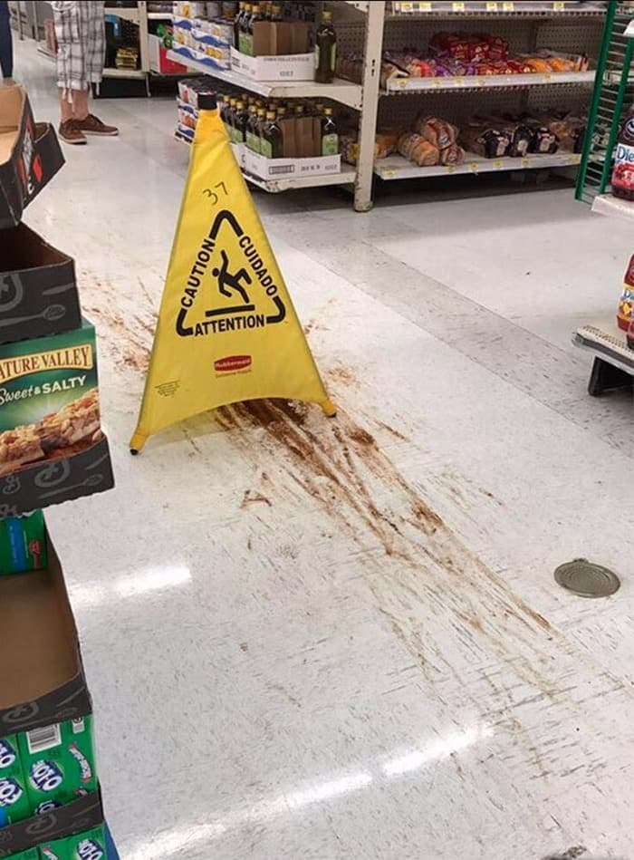 25 Ridiculous People of Walmart You Hope to Never Run Into -25