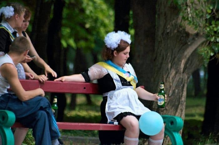26 Funny Photos of Students Celebrating Graduation in Russia Will Blow Your Mind -03