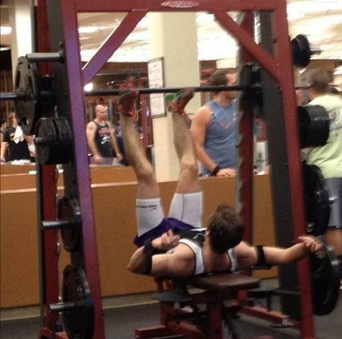 27 Epic Fail Gym Photos That Will Make Your Day -19