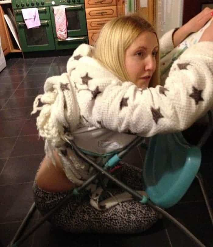 15 Epic Fail Pics of Girls Got Stuck in Trouble Will Shock You -06