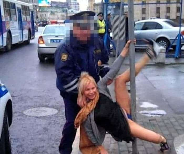 48 Ridiculous Drunk People That Will Shock You -36