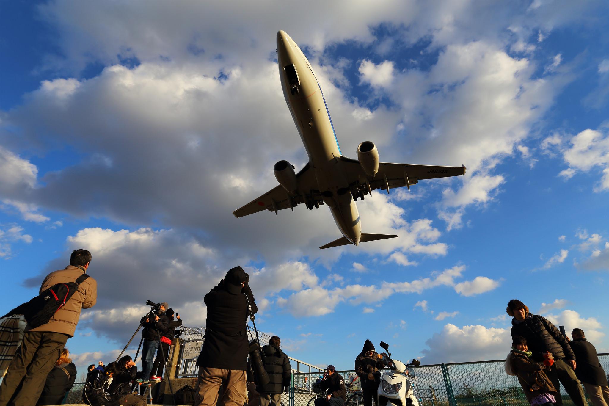 Airport, Teruhide Tomori December 29, 2013