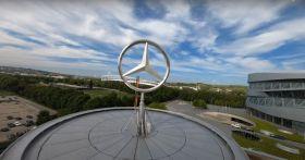 Visita al Museo Mercedes-Benz col drone in fpv [VIDEO]