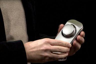 lg-smart-controller-drone-parrot-3