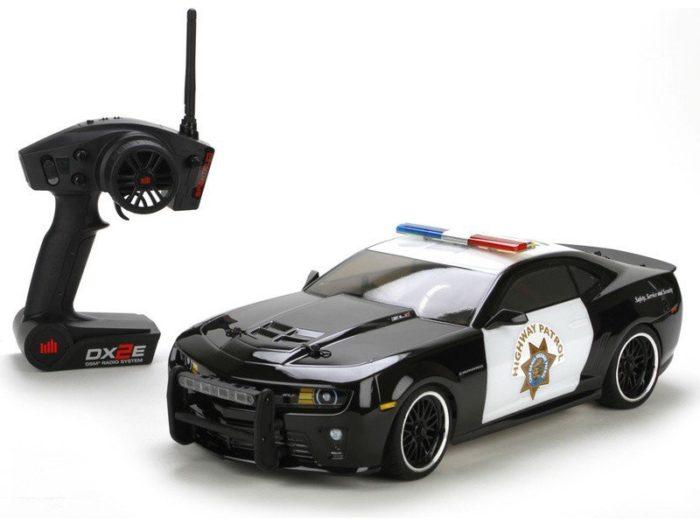 Vaterra Chevrolet Camaro - věrná kopie v policejní verzi