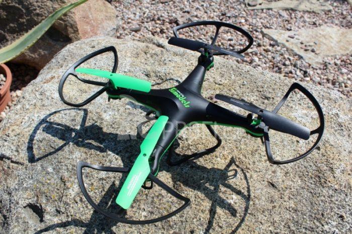 Sky Watcher 3 - levný dron v hliníkovém kufru