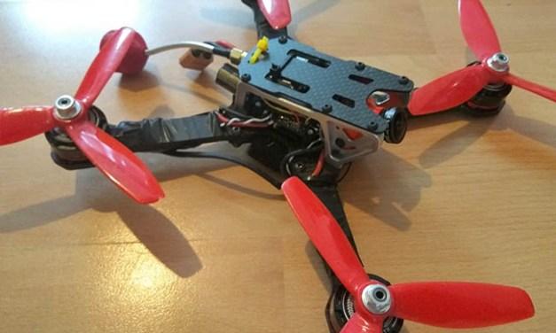 Jak postavit závodní dron #1 – znovu a lépe