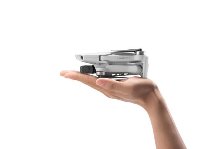 DJI Mavic Mini oficiálně - dlouhá výdrž na baterii a jen 249 gramů