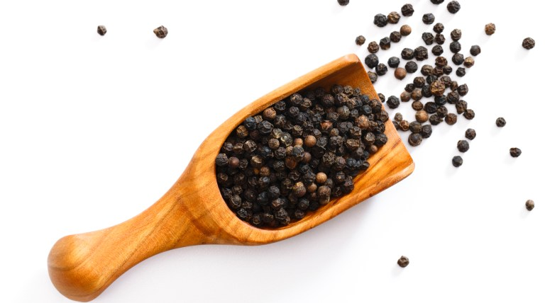 Scoop of Peppercorns Black Pepper
