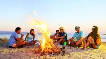 friends beach campfire