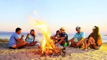friends beach campfire