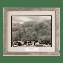 Huge dust storm June 4, 1937, poised to hit Hooker, Oklahoma.