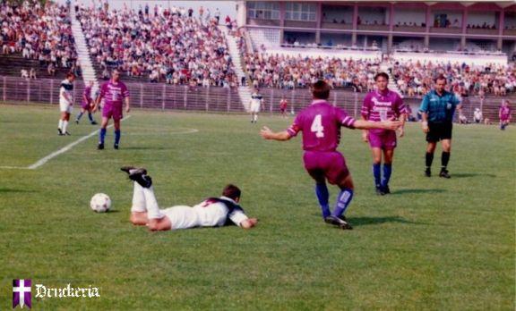 Unde sunt derby-urile de altădată ale Timișoarei? Imagine de la un Poli - UMT din 1997, în Divizia B