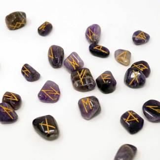 Runenset aus Amethyst: Futhark Runen